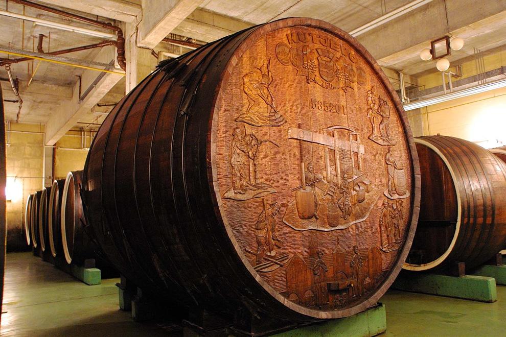 bačva odležavanje vina kutjevo