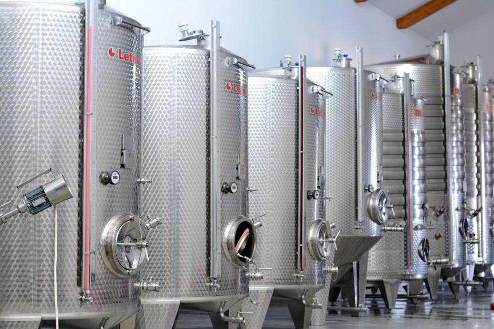 vinarija matalj proizvodnja vina tankovi