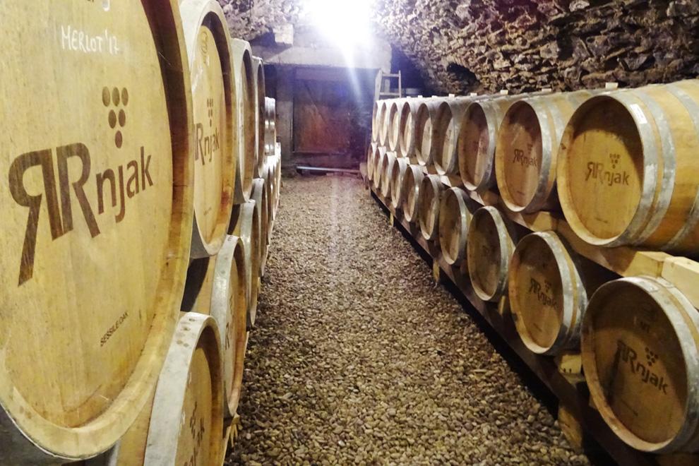 vinarija rnjak odležavanje vina u podrumu